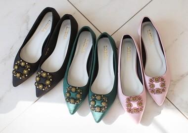Shiny Jewel Square Shoes