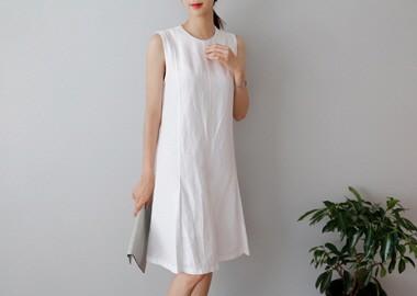 Alice Modern Dress (White)