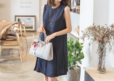 Alice Modern Dress (Navy)