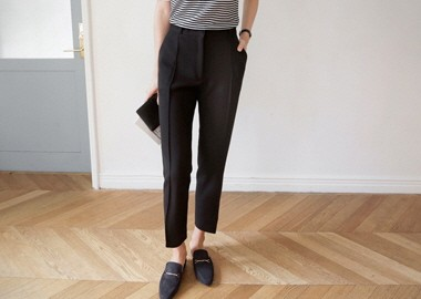 Simple Pintuck Slacks