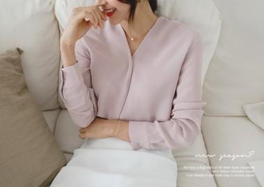 Larissa V Neck Shirring Blouse