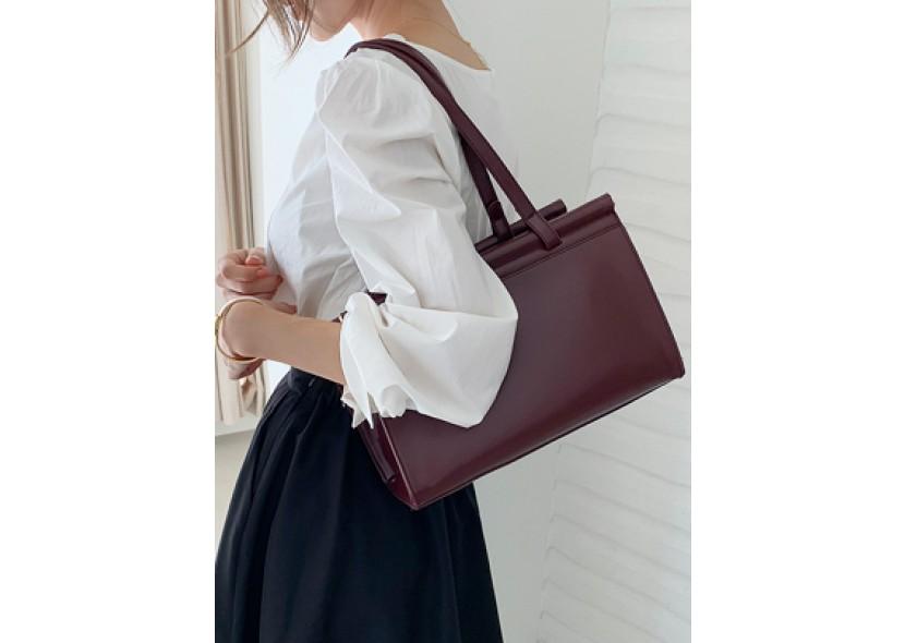 Better Square Shoulder Bag