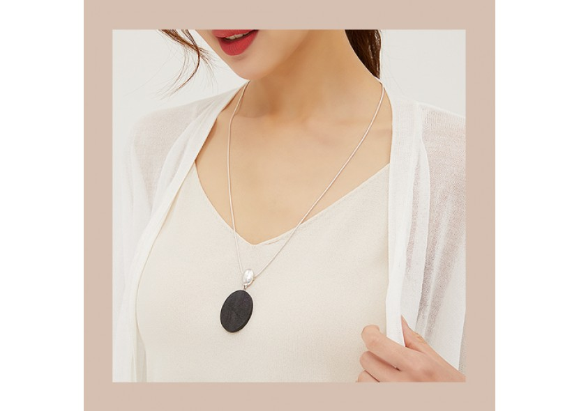 Juni Black Wood Necklace