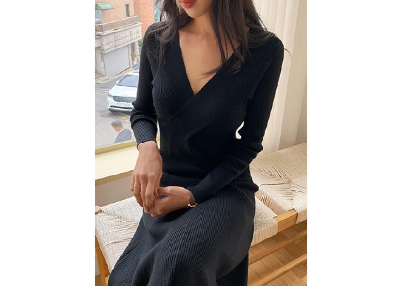 Twist Slimfit Knit Dress