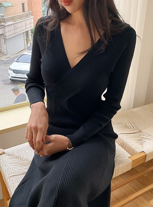Twist Slimfit Knit Dress