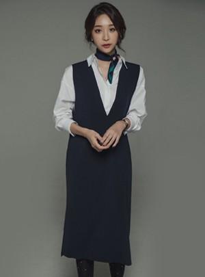 Elin V-Neck Dress