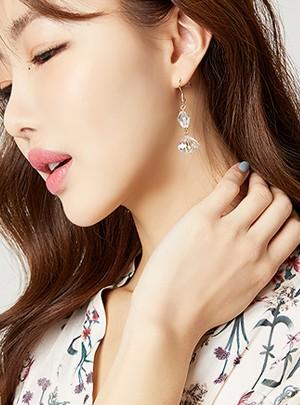Freya Earring
