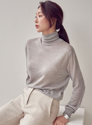Roselle  Turtle-Neck Knit