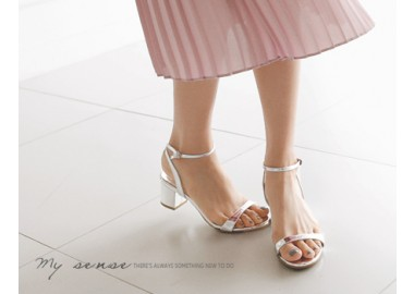 Shoo Strap Middle Sandals